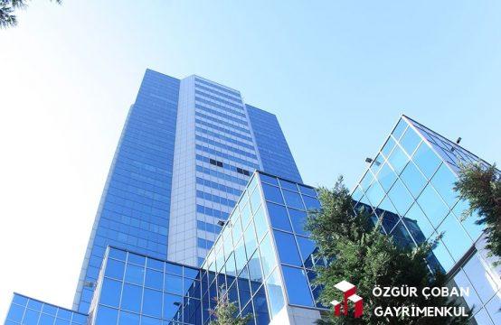 Maslak Merkez – Metroya 5dk Yürüme – 200m2 teras 530 m2 ofis