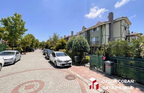 Zekeriyaköy All Green Evleri 4+1 Triplex Villa