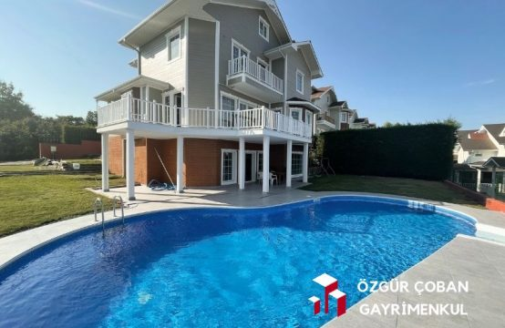 Riva'da Müstakil Havuzlu 6+2 Triplex Villa (villa for sale)